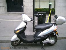 charging your e-scooter