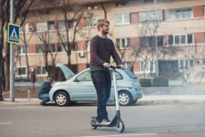 Electric Kick Scooters for Heavy-Set Riders