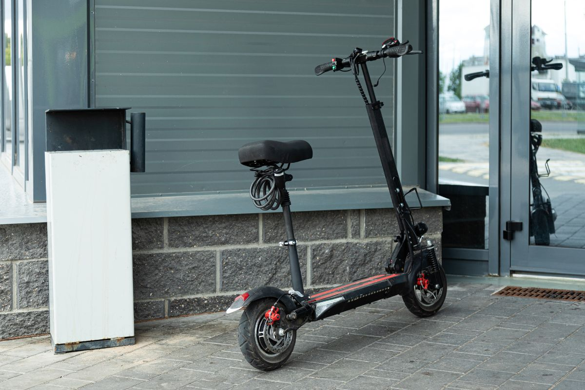 Electric Scooter with Seat near the entrance